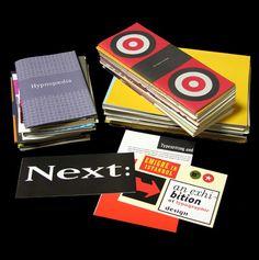 Diversos materiales y formatos impresos por la editorial Emigre