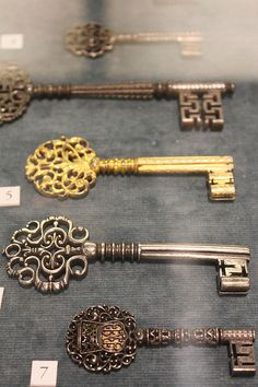 Old keys @ Ashmolean Museum, Oxford.
