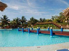 Hotel Be Live Turquesa, Varadero, Cuba. Ce joli site de 4 étoiles est situé sur une large plage de sable blanc et est entouré de jardins tropicaux soigneusement aménagés.