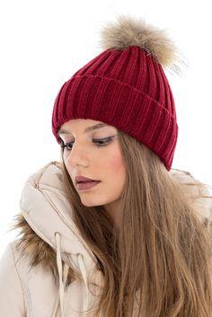 Caciula tricotata cu ciucure - A036