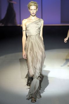 Alberta Ferretti Spring 2009 Ready-to-Wear - Collection - Gallery - Style.com