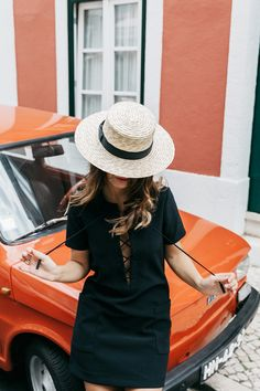 Hat | Summer | Outfit | Travel | Black dress | Leave your hat on | Car | What to wear this summer | More on Fashionchick