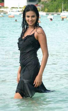 nuria bermudez gets naked