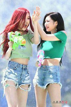 Yg Entertainment, Blackpink Fashion, Korean Fashion, South Korean Girls, Korean Girl Groups, Aquarius, Exo Red Velvet, Andy Black, Blackpink Photos