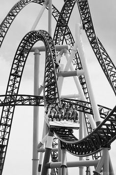 Roller Coasters are one way to get an exciting and thrilling experience. Here 10 Psyche and Most Thrilling Roller Coaster Rides of the World. Black N White, Black White Photos, Black And White Photography, Roller Coaster Ride, Roller Coasters, Carrousel, Amusement Park Rides, Belle Photo, Art Photography