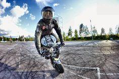 Motorcycle Images, Stunt Bike, Vans Girls, Stunts, Ducati, Motorbikes, Wheeling, Emperor, Motorcycles