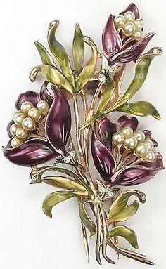 DeRosa-Metallic-Enamel-amp-Pearls-Triple-Passion-Flower-Floral-Spray-Pin-Clip