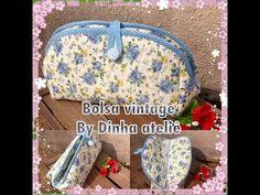 Hoje trago o pap dessa linda bolsa vintage, inspirada na clássica bolsinha da vovó Espero que gostem. segue o molde e o vídeo explica. Flower Of Life, Pot Holders, Lunch Box, Patches, Quilts, Purses, Wallet, Sewing, Crochet