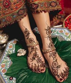 If I were to get my feet tattooed I would have it done in a real mehndi style.