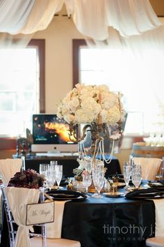Great Gatsby themed reception! Might be slight overkill, but its so cool and classy.