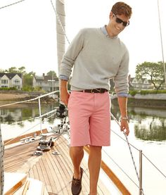 I have this obsession with guys in pink shorts… Preppy Boys, Preppy Style, Preppy College, Classy Style, College Life, Outfit Jeans, Looks Style, My Style, Style Men