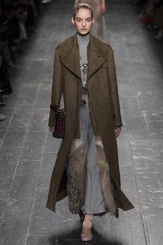Valentino Fall 2016 Ready-to-Wear Fashion Show - Maartje Verhoef (Women)