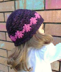 FREE crochet hat pattern...cute flowers