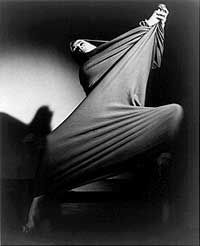 Martha Graham, lamenting. Get ye to a fabric tube. Suddenly I love this piece.