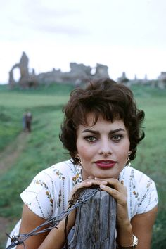 Vintage Summer Icons - Classic Vintage Photos of Iconic Women - Sophia Loren Rome, Italy, 1957