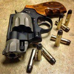 Smith & Wesson 8 shot revolver - -- Via - -- Smith Wesson, Smith And Wesson Revolvers, Survival Weapons, Weapons Guns, Guns And Ammo, Airsoft, 357 Magnum, Hand Cannon, Revolver Pistol