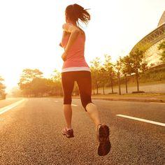Πόσες θερμίδες καίω με το τρέξιμο και κάθε άσκηση You Fitness, Fitness Goals, Fitness Tips, Training Plan, Healthy Tips, Workout Videos, Exercise, Poses, Running