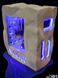 awesome customized computer cases 26 Customized computer cases and accessories that are definitely cooler than their makers (34 Photos)