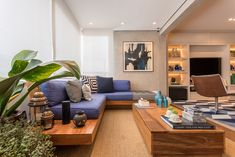 Varanda gourmet integrada com sala de tv e jantar. Furniture, Sala, Balcony Decor, Living Dining Room, Decor Design, Interior Architecture Design, Home Decor, Interior Design Living Room, Home And Living