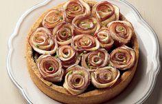 Crostata con frangipane al pistacchio e rosette di mela