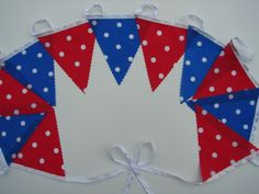 red-spotty-and-blue-spotty-tea-party-garden-party-bunting-2-meters-spots-bunting
