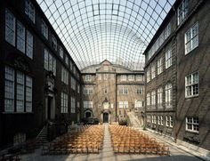 Museum für Hamburgische Geschichte, Innenhof-Glasüberdachung-gmp Architekten von Gerkan, Marg und Partner