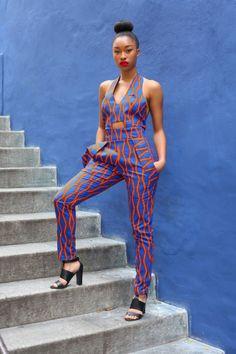 La couture africaine d'aujourd'hui est très influencée par la tradition et la culture des Afriques. Le pagne est la base des habits moderne à touche africaine.