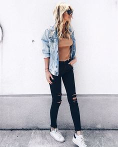 best comfy summer outfits ideas you have to take a look 11 Preppy Fall Outfits, Casual Summer Outfits, Winter Outfits, Outfit Jeans, Jeans Shoes, White Ripped Jeans, Black Skinnies, Outfit Trends, Evening Outfits