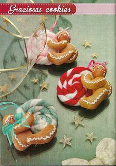 Felt Christmas Ornaments, Christmas Items, Country Christmas, Christmas Candy, Christmas Crafts, Felt Tree, Diy Weihnachten, Xmas Decorations, Felt Crafts