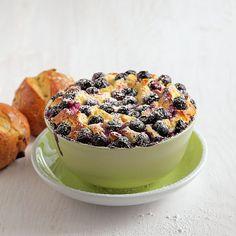 Quarksoufflé mit Heidelbeeren Rezept | Küchengötter Acai Bowl, Cereal, Muffin, Breakfast, Desserts, Food, Almonds, Dessert Ideas, Food Food
