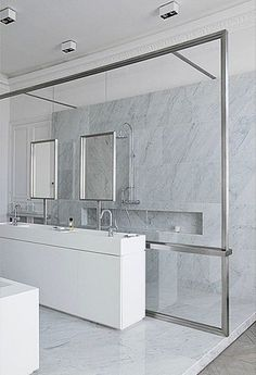 Sleek glass divider, Trocadero apartment in Paris by DLM Damien Langlois-Meurinne bathroom Bathroom Spa, Bathroom Toilets, Modern Bathroom, Small Bathroom, Master Bathroom, Washroom, Bathroom Marble, Minimal Bathroom, White Bathroom
