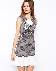 Bild 1 von ASOS – Schößchenkleid mit bedruckter Spitze