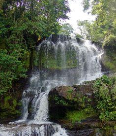 Bella cascada para disfrutar en contacto con la naturaleza #Mérida #Venezuela #Naturaleza