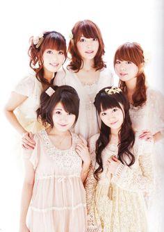 Ro-Kyu-Bu! seiyuus (Youko Hikasa, Kana Hanazawa, Rina Hidaka, Yuka Iguchi, Yui Ogura)