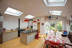 Great kitchen extension and sky lights. Open Plan Kitchen Diner, Kitchen Diner Extension, Open Plan Kitchen Living Room, Kitchen Family Rooms, Open Plan Living, Home Decor Kitchen, New Kitchen, Kitchen Interior, Home Kitchens