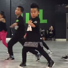 WATCH: 8-Year-Old Crushes Bruno Mars & Mark Ronson 'Uptown Funk' Choreography