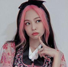 Kim Jennie, Kpop Girl Groups, Kpop Girls, Blackpink Poster, Lisa Blackpink Wallpaper, Profile Wallpaper, Wallpaper Lockscreen, Wallpapers, Black Pink Kpop