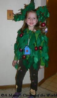 Homemade tree costumes for children ta da here i am in one of apple tree halloween costume for kids at httpamamascorneroftheworld solutioingenieria Gallery