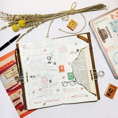 #travelersnotebook #midori #midoritravelersnotebook #travelersnote #planner #weekly #travelerscompany #journal #maskingtape #washitape #classiky #diary #트래블러스노트 #vintagestamp #tokyoantique #다이어리  Week 51 ✍