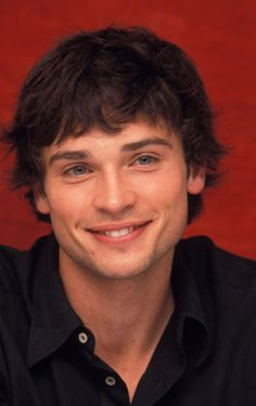 tom welling, ok he really looks young in this picture. But exactly how I imagining a current character I am writing.