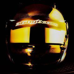 Golden touch....by #360gfx #Helmetpaint #hjälmlack #anestiwata #anestiwatascandinavia #artwork #araihelmet #flakes #glitter #flakebuster #glasurit #basfrefinish #3M #avery #racing