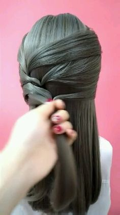 Indian hairstyles & indische frisuren & coiffures indiennes & peinados indios & hairstyles for mediu Bun Hairstyles For Long Hair, Indian Wedding Hairstyles, Girl Hairstyles, Hairstyles Videos, Everyday Hairstyles, Formal Hairstyles, Long Hair Dos, Curly Hair Styles Easy, Front Hair Styles