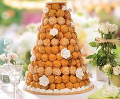 Superbe père montée by La Romainville.  Beautiful wedding cake.  #wedding #weddingcake