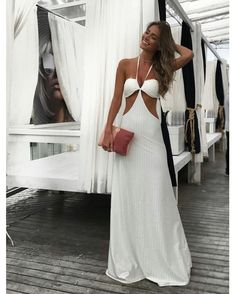"Cia.Marítima  ""Ready to Party ✨✨ #garotasmaritima neste verão apostem nos nosso vestidos longos com recortes !!…"" Couture Dresses, Fashion Dresses, Peach Skirt, Sophisticated Outfits, All White Outfit, Everyday Dresses, Ideias Fashion, Boho Fashion, Summer Outfits"