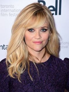 Reese Witherspoon has some serious WORDS about slut-shaming. Love this picture for my sweet heart Reese Witherspoon. Reese Witherspoon Hair, Hair Photo, Great Hair, Hair Today, Gorgeous Hair, Pretty Hairstyles, Blonde Hair, Blonde Side Bangs, Side Swept Bangs