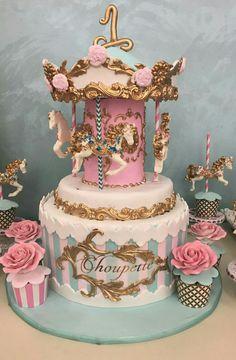 Vintage carousel cake