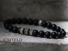 Style, élégance, design, rester masculin, le luxe pour homme. Le bracelet homme…