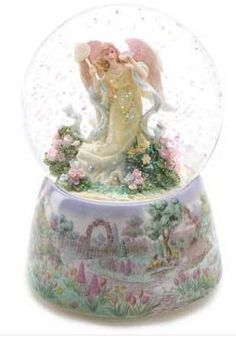Garden Angel MUSICAL Waterglobe