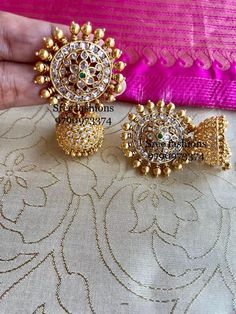 A Gold Chain for Men Makes The Perfect Gift - Jewelry Daze Gold Jhumka Earrings, Gold Earrings Designs, Gold Jewellery Design, Gold Jewelry, Jewelery, Diamond Jewelry, Simple Jewelry, Fine Jewelry, Hoop Earrings