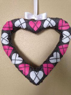Hometalk :: Simple and Sweet Argyle Valentine Heart Wreath